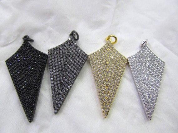 6 pièces 22-38mm grand Micro Pave diamant flèche pendentif bouclier pendentif pavé diamant pendentif noir Gunmetal or trouvailles