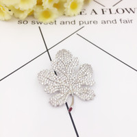 New Arrival Luxury Cubic Zirconia Maple Leaf Brooches For Women Men Fashion Plant Brooch Sweater Scarf