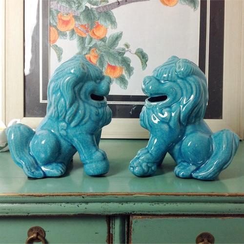 Un modèle de l'assemblage du logement de nouveaux bijoux de style chinois glace douce fissure bleu complexe classique en céramique lion ameublement