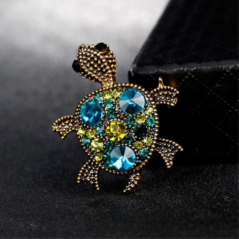 Shuyani Vintage Gold Tortoise Brooch Women Kids Clothes Accessories  Crystals Turtle Animal Pin Up Brooches Suit Corsage Pins-in Brooches from  Jewelry ... ca31430194e9