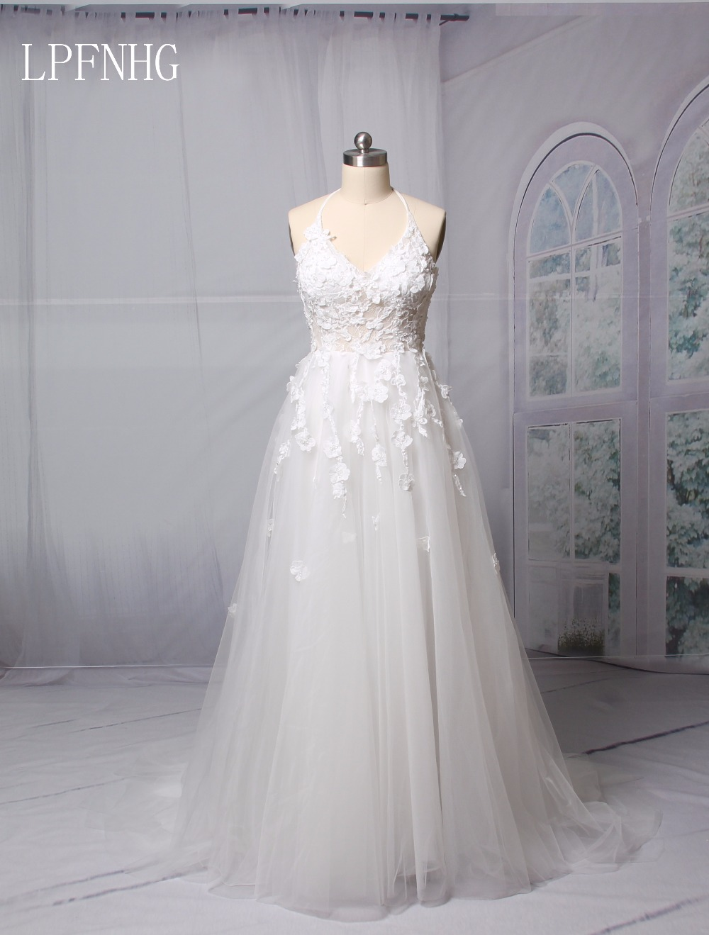 A Line Lace Wedding Dresses 2018 V Neck Sleeveless Backless Sweep Train Tulle And Applique 2017