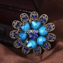 Retro Fashion Rhinestone Flower Heart Women Wedding Brooches Wholesale Hot Sale Small Heart Brooch For Party