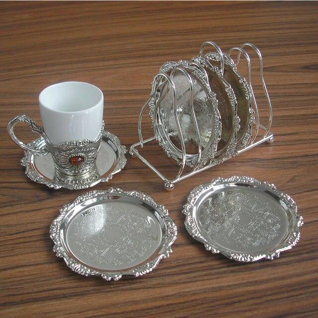 6 Teile/satz seltene zink-legierung metall runde kaffee/tee cup coaster tasse pad matte mit draht rack halter gravur geprägt geschirr 340A