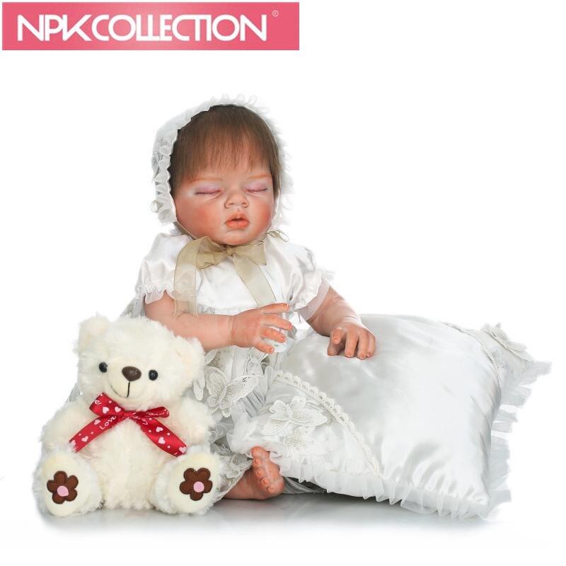 Здесь продается  Super realistic  Latest Design 57cm Silicone Reborn Baby Dolls Boneca Reborn Realista Fashion Dolls  with White dress skirt   Игрушки и Хобби