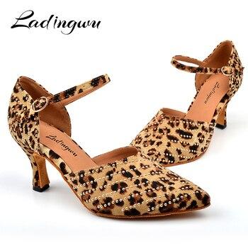 7aa678578 Ladingwu Pointe sapatos de Dança Latina das Mulheres Sapatos Fechados Salsa  Ballroom Dance Shoes Para A Mulher Strass Ouro Sapatos de Dança de Fundo  Suave
