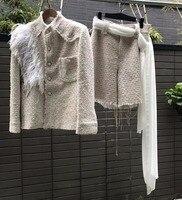Восхитительный комплект из двух предметов с перьями, Женская твидовая куртка и шорты, 5xl 6xl белая куртка, элегантный комплект повседневной о