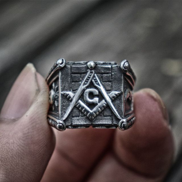 Vintage Classic Freemasons Stainless Steel Ring Sun and Moon Totem Masonic Jewelry Gift for Men