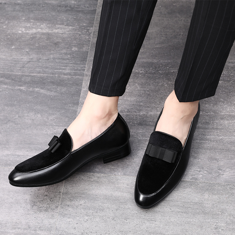 2019 Gentlemen Bowknot Wedding Dress Male Flats Casual Slip on Shoes Black Patent Leather Red Suede Loafers Men Formal Shoes