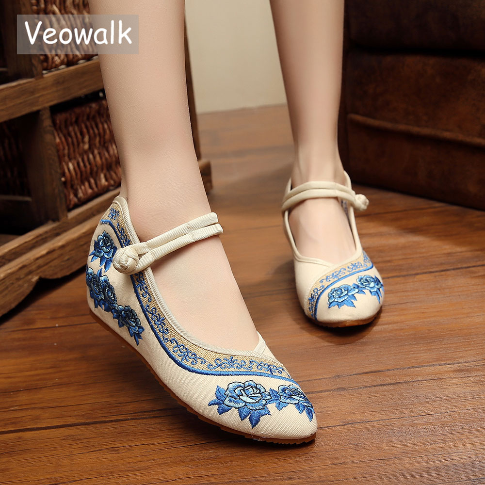 Veowalk Pointed Toe Old Beijing Flat Shoes Chinese Traditional Style Soft Rose Embroidery Casual Dance Shoes Zapatos Mujer стоимость