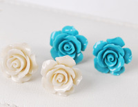 100% Brand New High Quality Fashion Picture2pairs 15mm White/Blue Coral Hand Carved Flower Earrings Silver Stud AAA Grade