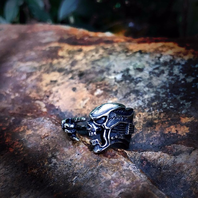STAINLESS STEEL SKULL GUITAR RINGS