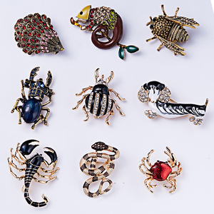 RINHOO Fashion Handmade Colorful Dog Snake Animal Crystal Rhinestone Brooch Pin for Women Men Costume Jewelry Christmas Gift