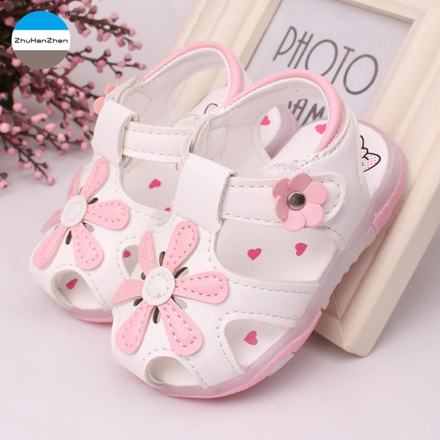 2018 glowing LED 0 to 2 years old baby girls light sandals summer kids shoes  flowers princess shoes infant newborn toddler shoes-in Sandals   Clogs from  ...