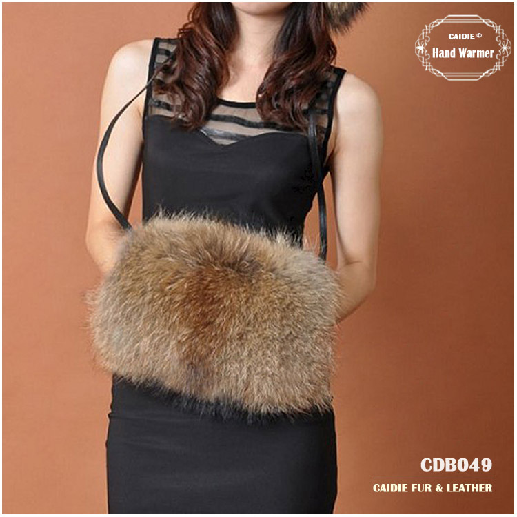 CDB049 Genuine Raccoon Fur Hand Warmer Fox Fur Hand Warmer