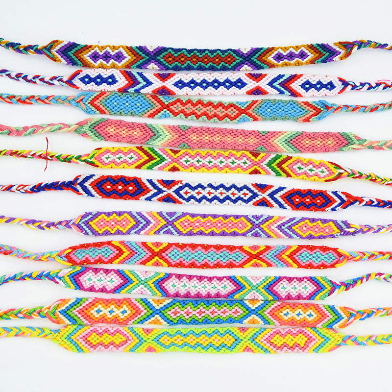 Bracelet tricoté en coton style amitié ...
