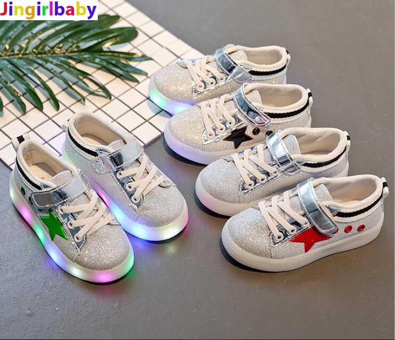 Garçon de Sport Chaussures 2017 Mâle Femelle Seul Mode Casual Avec La Lumière LED Enfants de Chaussures En Cuir pour Filles Paresseux sneakers