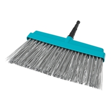 Щетка GARDENA 03609-2000000 (Для уборки уборки террас, рабочая ширина 32 см, рекомендуемая рукоятка 130-150 см, высококачественный пластиковый корпус, гибкие полипропиленовые пучки щетины)