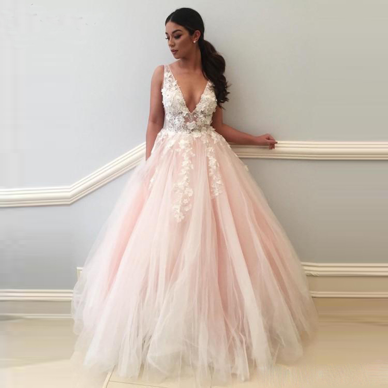 Newest 3D Floral Appliques Long Prom Dresses Deep V-Neck Princess Formal Dress Floor Length Open Back Tulle Evening Party Dress