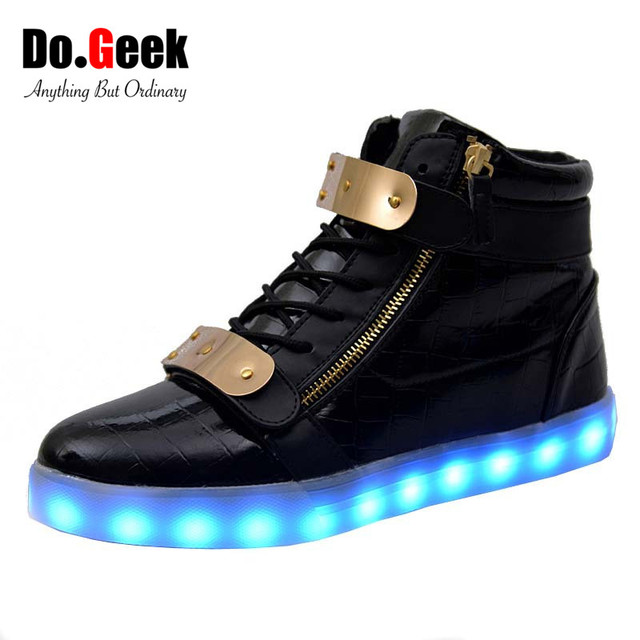 DoGeek Light Up Trainers Men Women Light up Shoes LED Shoes Star - USB Charge 7 Colors Light Sneakers B0197WQTNI