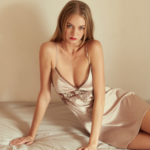 Yhotmeng new French elegant sexy openwork embroidered silk silky sling home service harness nightdress