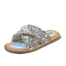 купить Fashion Women Slippers Crystal Flat Heel Summer Shoes Female Indoor Outside Bling Beach Slides Open Toe Rhinestone Ladies Shoes по цене 1412.98 рублей