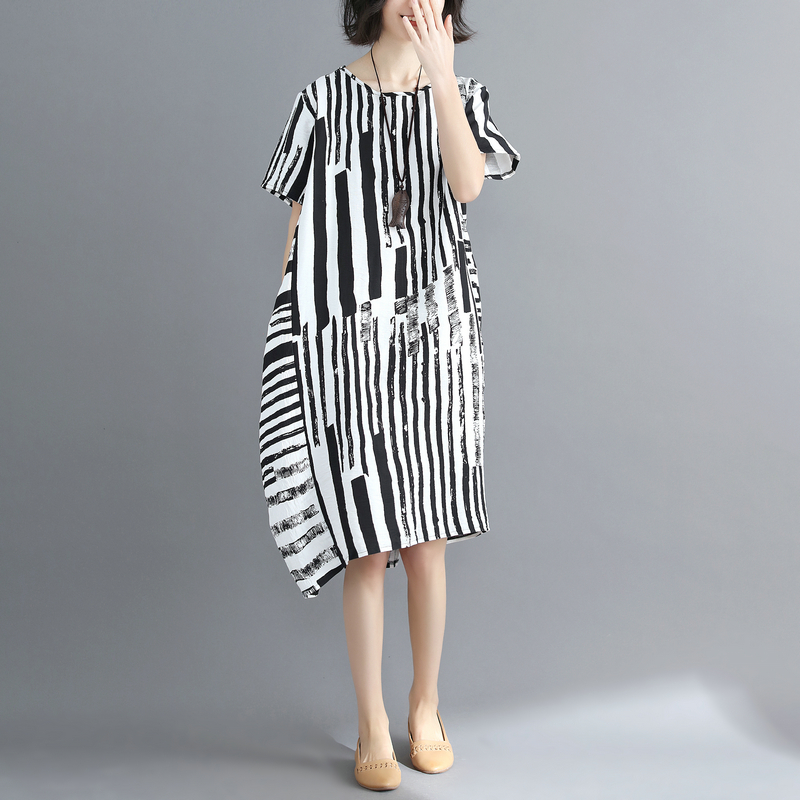 Women Lagenlook Short Sleeve Striped Straight Dress 2018 Plus size O Neck Tunic  Dress Baggy Loose Vestidos-in Dresses from Women s Clothing on ... f36918042ed5