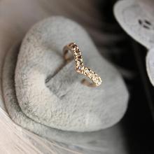 Уникальный дизайн лаконичный простой стиль горный хрусталь Кристалл V-образный хвост кольцо 8CRD23-2