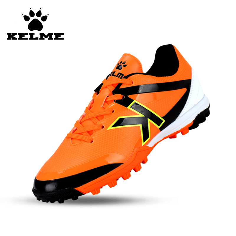 KELME Football Shoes Boots For Adult Children 30-39 Train Sneakers Tobillera Soccer Cleats Zapatillas Deporte Light Soft Flats49 health top soccer shoes kids football boots cleats futsal shoes adult child crushed breathable sport football shoes plus 36 45