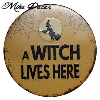 Mike Dekor Bir Cadı Metal Boyama Sign Burada Yaşıyor Modern Hediye
