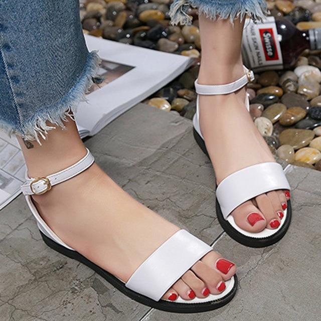Platformda sandaletler nasıl seçilir