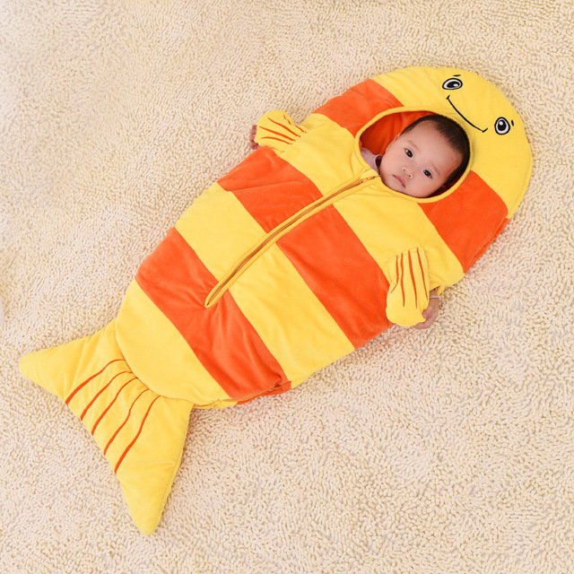 Baby sleeping bags goldfish winter children cartoon against the kick was held was 0-2 years old baby sleeping bag with a gift