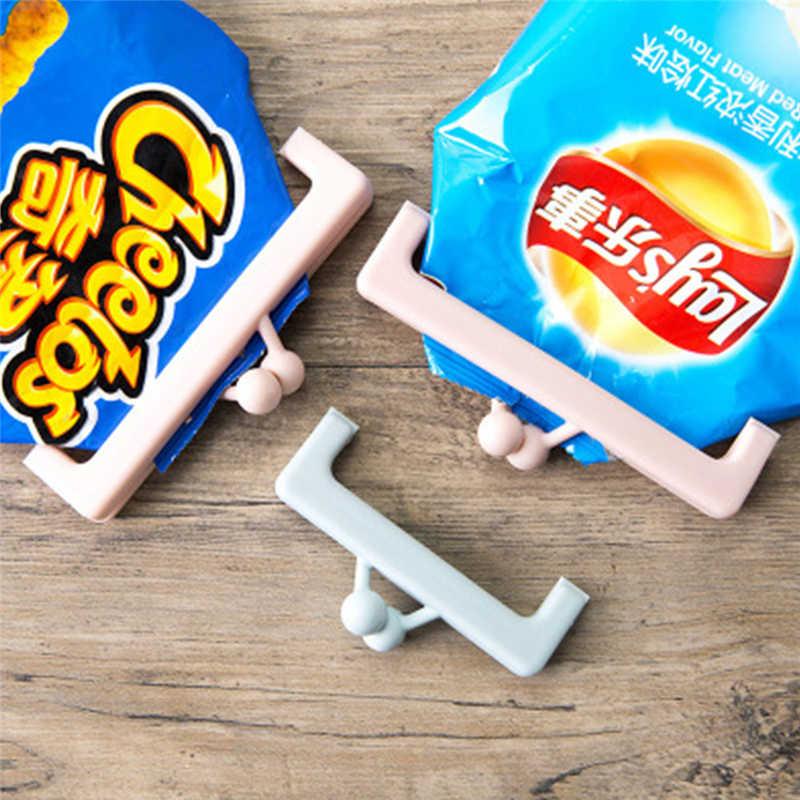 2PCS Snacks Plastic Bags Sealed Folder Milk Food Bags Small Clip Food Sealed Snacks Folder New Arrival Random Color