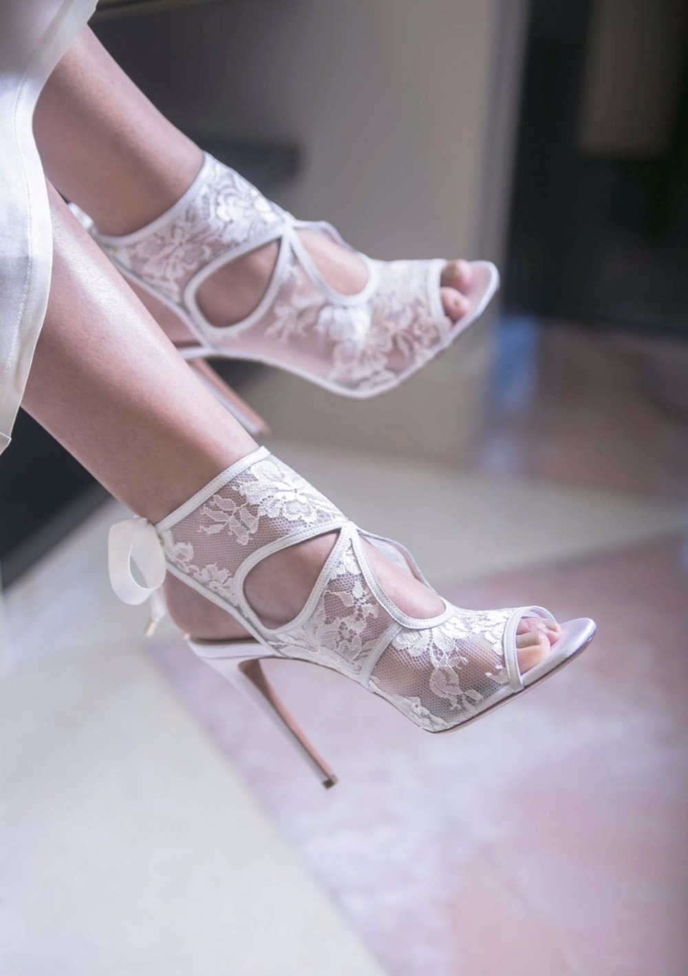 ФОТО White color lace wedding shoes peep toe ankle cross tied high thin heel women pumps sweet style  hot sale dress  shoes