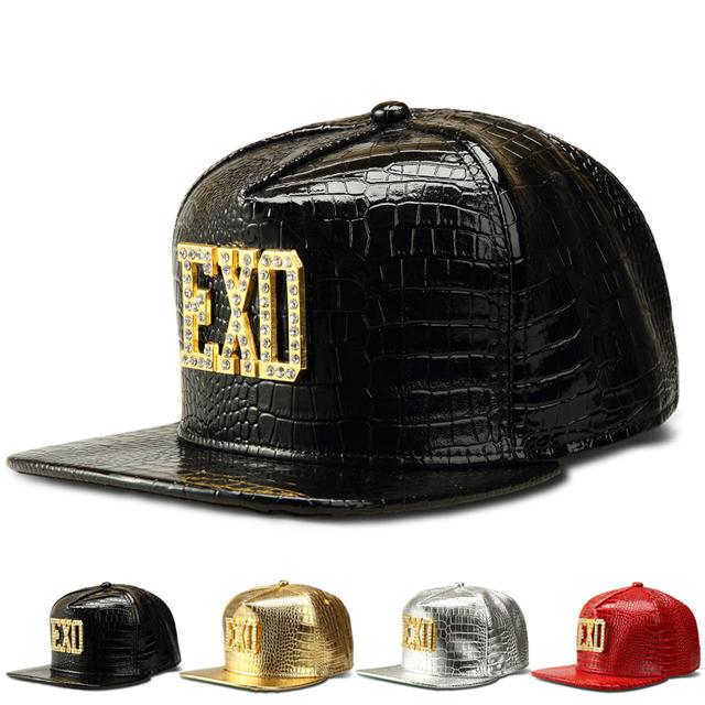 Brand New EXO Letter Logo Hip Hop do boné de beisebol moda unissex Snakesking couro Pu Rapper DJ rua Snapback chapéu das mulheres dos homens