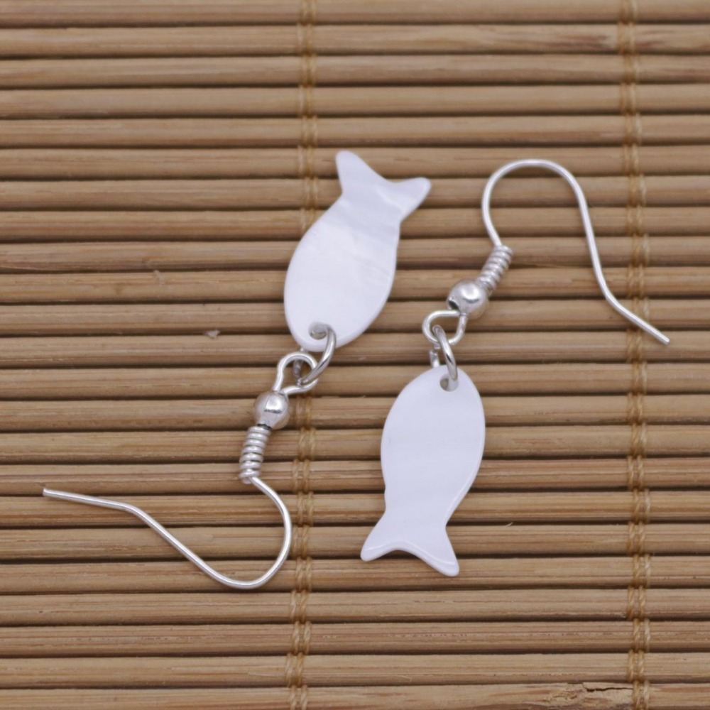 Купить с кэшбэком Mini Fish Shape Shell Natural White Mother of Pearl Earring 8mmX16mm