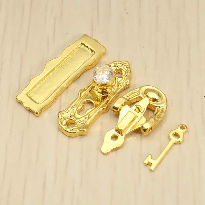 Hot Sale Mini 4Pcs/set Doll house Miniature Gold Metal Door Lock Knocker Hardware Doorplate Key For Dollhouse Toys