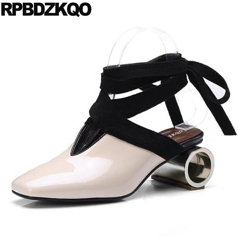 En Cuir verni Nude Bout Carré Bloc Talons Slingback Pompes Étrange Attacher Sandales Dentelle Métal Moyen Dames de Courroie de Cheville Chaussures