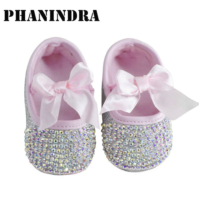 2019 Princess Rhinestone Newborn Baby Shoes Handmade Pearl Baby Toddler Bling Bling Shoes Lovely Fashion Bow Baby Girl Shoes
