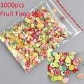 Bluezoo Novo 1000 unidades/pacote Nail Art 3D Fruit Fimo Fatias Polymer Clay Slice DIY Decoração Etiqueta Do Prego Stype Mista para escolha