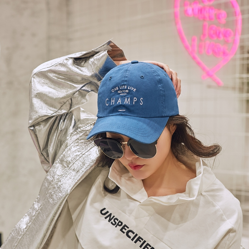 2018 new arrival CHAMPS letter embroidery baseball cap women snapback hat  adjustable men fashion Dad hats wholesale-in Baseball Caps from Apparel ... a66f5d5f326
