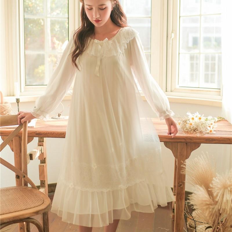 2019  Spring Autumn White Lace Vintage Long Nightgowns For Women Elegant Princess Sweet Sleepwear Loose Nightwear Autumn 8173