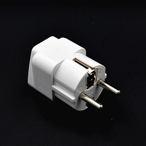 10pcs/lot Top Quality White Germany Plug Adapter 3 Pin to 2 Round Pin German standard Plug Socket Input AC 2.5V~250V 16A