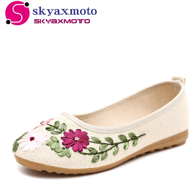 2017 New Women Flower Flats Slip On Cotton Fabric Casual Shoes Comfortable Round Toe Student Flat Shoes Woman Plus Size A-8306 odetina 2017 new woman slingback flats hollow out slip on flat shoes flower half slippers mules d ete pour femme plus size 32 43