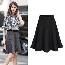 OUMOWEI Women's Skirt 2018 Fashion New Pleated Skirt High Quality Package Hip Autumn And Winter Women's Skirt Solid Color Wild