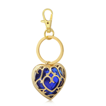 Anime The Legend of  the love necklace Zelda Figure Red Heart Gold Pendant