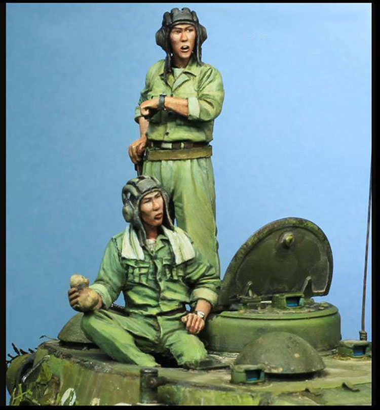 1/35  Ancient Stand  MAN (2 Figures)   (NO CAR )  Resin Figure Model Kits Miniature Gk Unassembly Unpainted