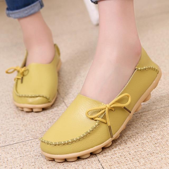 Zapatos planos de mujer 2018 zapatos de cuero de PU ahuecados transpirables suaves para caminar mujeres zapatos planos mocasines para el hogar