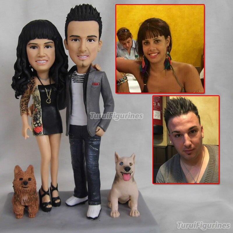 Figurine de poupée en argile polymère ooak personnalisée pour couple cadeau d'anniversaire de mariage avec chien pet personnaliser la figure humaine à la main