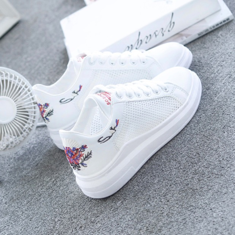 LAKESHI 2018 New Vulcanize Shoes Women Casual Shoes Women Summer Air Mesh Shoes Floral Embroidered Breathable Women Sneakers black v neck floral embroidered mesh bodysuit