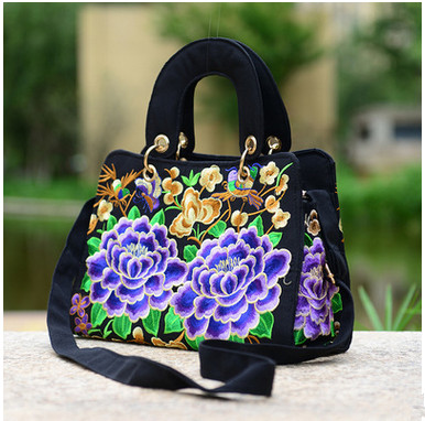 2017 New embroidery Multi-use bags!Hot fashion National Versatile Casual Tote Top shoulder bag lady travel shopping handbags